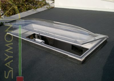 Lucernario elettrico 230 x 80 cm.